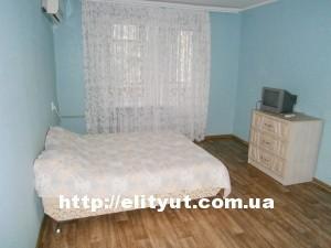 Сдам 1ком. квартиру: новый санузел с новой душевой кабинкой, большая комната